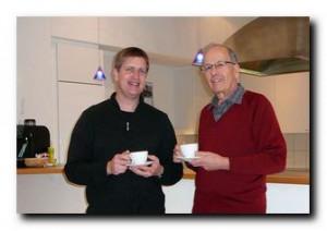 Im Zentrum Waldstatt gibt es noch Platz für weitere Mieter. Pfarrer Samuel Rath und Ressortleiter Peter Koch (v.l.) freuen sich über den Startschuss zur Vermietung des Gemeindezentrums.